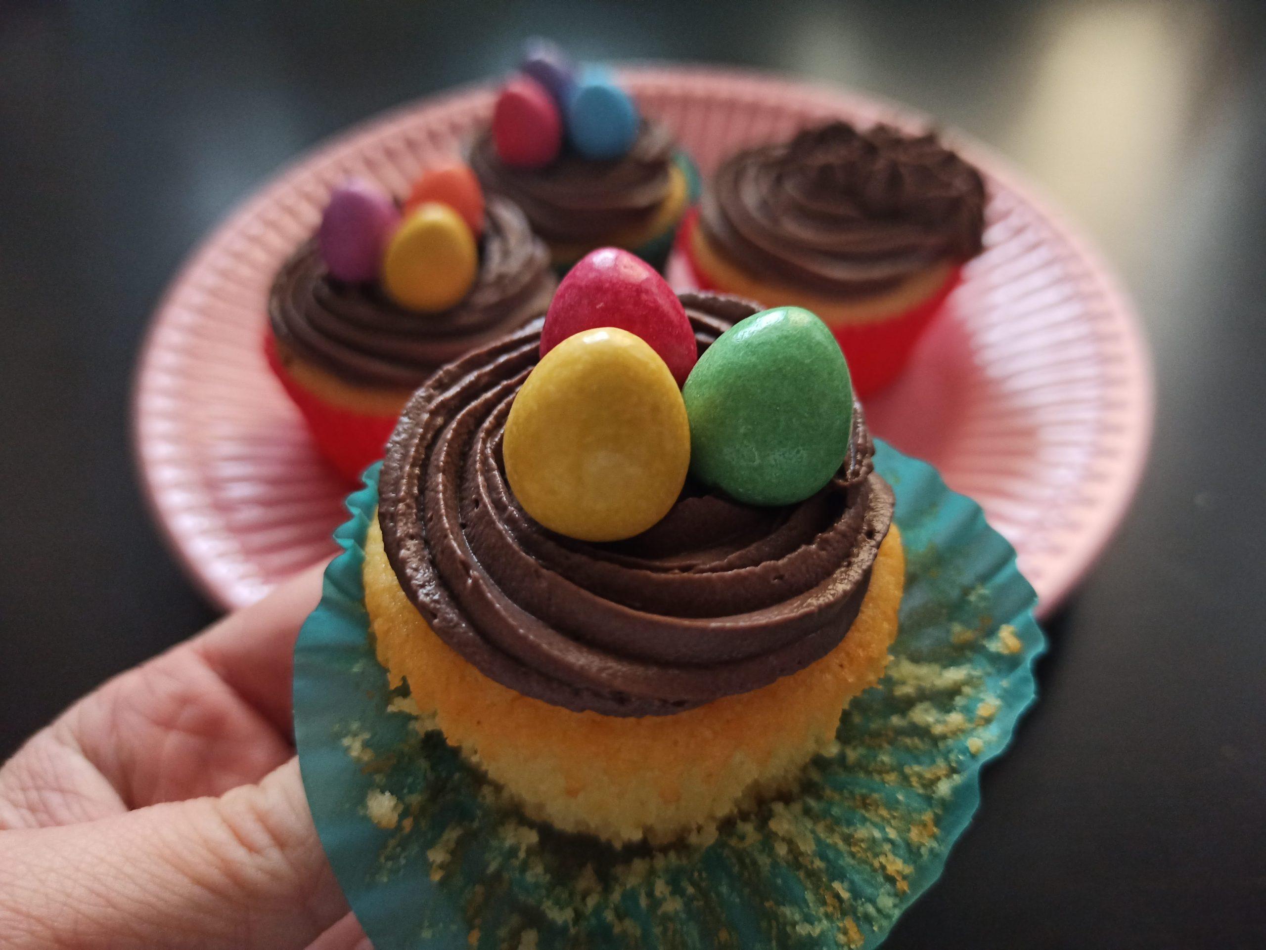 rozbalený velikonoční muffin